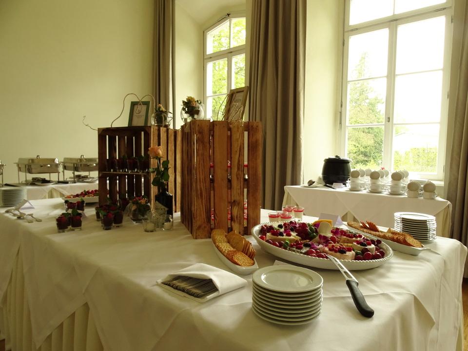 Buffet zur Hochzeit im Schloss Kröchlendorff