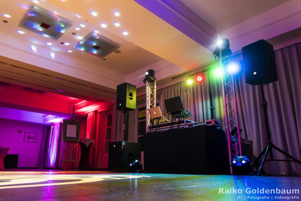 DJ mit Veranstaltungstechnik in Jena