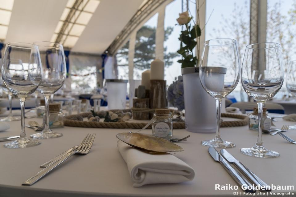 See- und Waldresort Gröbern Hochzeitsfeier Tisch